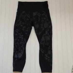 Athleta black/light black leggings/yoga pants